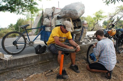 Huge social gaps in El Salvador: Norberto makes $6-8 a day returning bottles