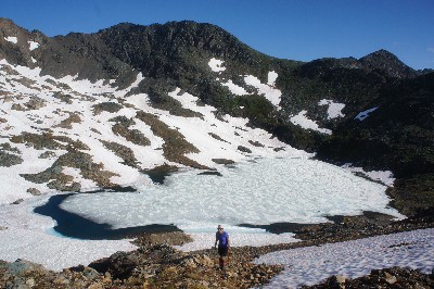 Hiking up towards Elliot Peak