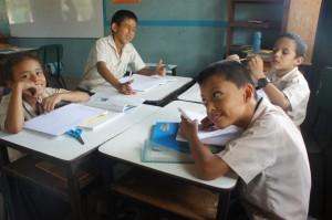Kids in Cofradia Bilingual School