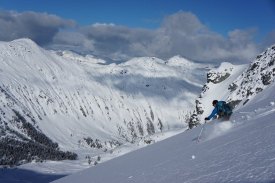 Gili skiing a perfect ine