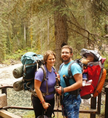 Family pic at the beginning of the hike
