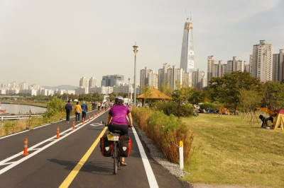 Cycling out of Seoul