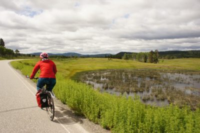 Cycling along 5A - lots of lakes and pond, little traffic