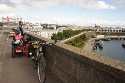 Crossing the bridge in Brest